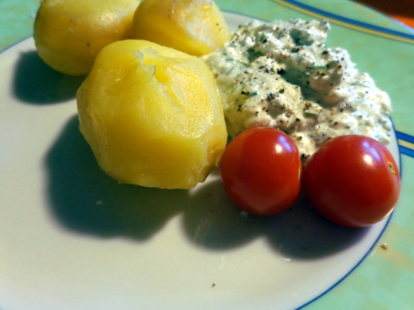 Quark-Hüttenkäse-Knoblauch-Dip